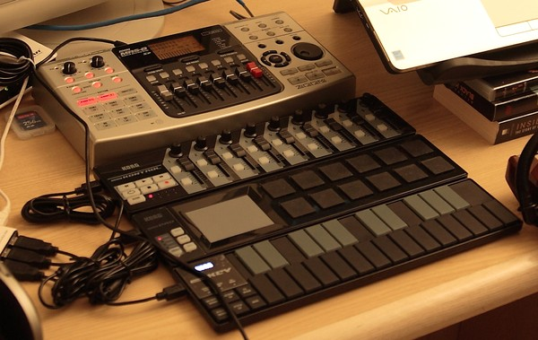 Zoom MRS-8 and Korg Nanos