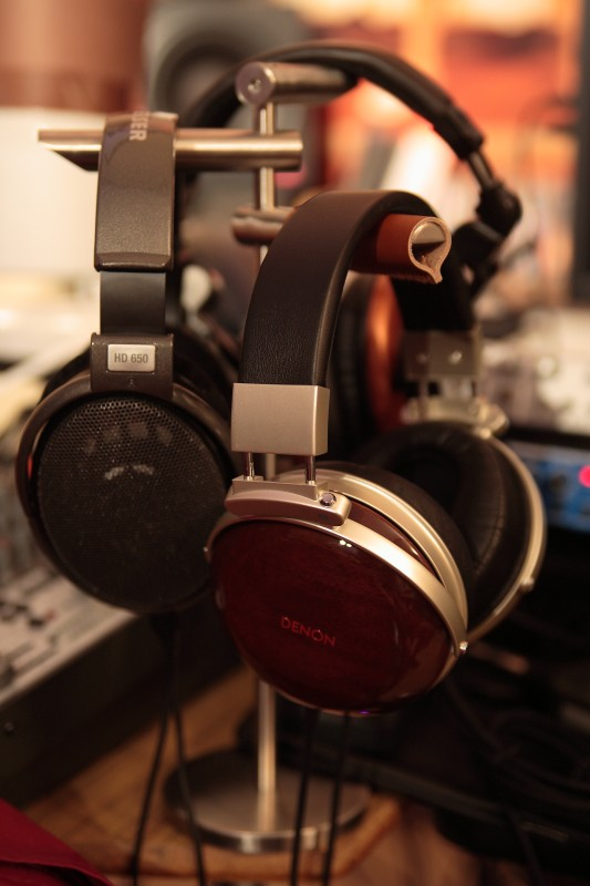 headphones_stand-1