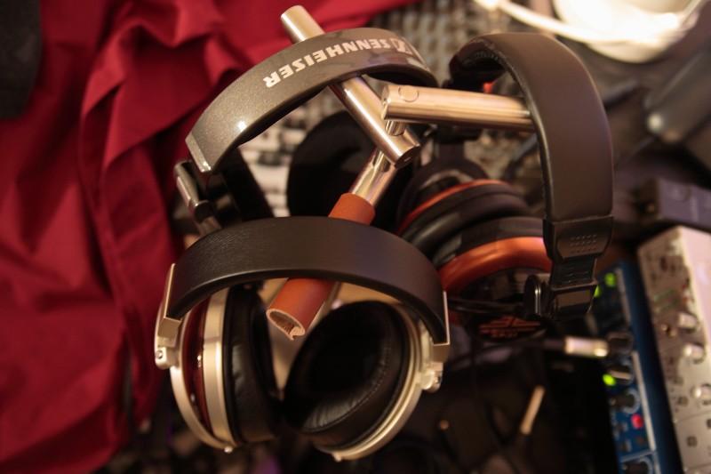 headphones_stand-2