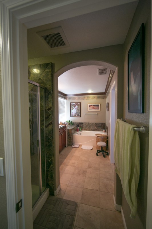 Lincoln California Master Bedroom And Bathroom