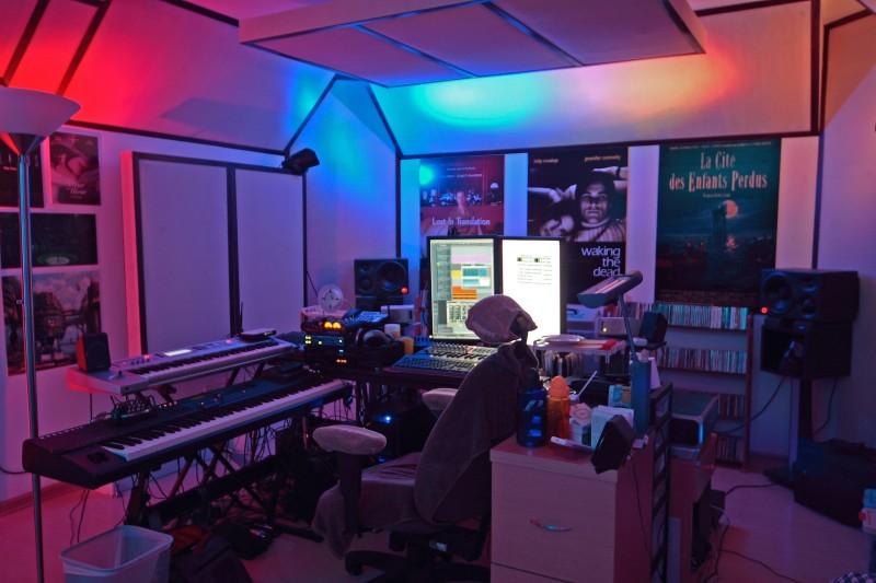 Cloud pagoda studio for Redwood room live music schedule